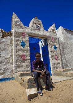 https://flic.kr/p/ecgTAb | Traditional Nubian Architecture Of A Doorway, Gunfal, Sudan | © Eric Lafforgue www.ericlafforgue.com