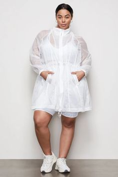 THE CORSET SEAM ANORAK | WHITE001 – GOOD AMERICAN International Shopping, Sheer Material, All White, Workout Tops, Corset, Active Wear, Cool Style, Windbreaker, High Neck Dress