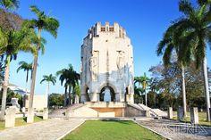 Het mausoleum van nationale held Jose Marti op het Ifigenia kerkhof in Santiago de Cuba