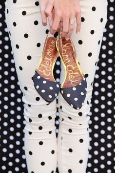 polka dot on polka dot on polka dot..I think I need those shoes with the leggings