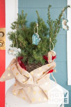HGTV's @Farima Alavi created these cute no-sew ornaments with HGTV HOME Fabric and cookie cutters. #12DaysOfHGTVHOME