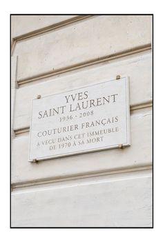 Plaque commémorative au 55,rue Babylone à Paris.
