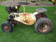 Little Tiger Tractor.might not look like much but it sure ran nice. Small Tractors, Old Tractors, Lawn Tractors, Rotary Lawn Mower, Lawn Mower Tractor, Antique Tractors, Vintage Tractors, Wheel Horse Tractor, Garden Tractor Pulling