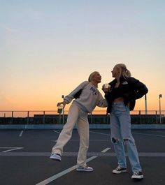 Foto Best Friend, Best Friend Photos, Best Friend Goals, Best Friends Shoot, Cute Friends, 4 Best Friends, Mode Hipster, Photographie Indie, Trendy Outfits