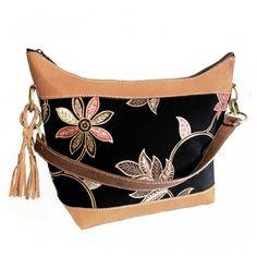 Batik & Leather Bag - Shoulder Bag - Black Laukku