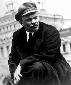 Russian Communist leader Vladimir Lenin, c.1919  https://www.facebook.com/storiciesalottiere https://www.tumblr.com/blog/storicisalottiere