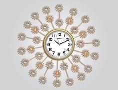Papatya Ferforje Duvar Saati  Ürün Bilgisi;  Ürün resimde olduğu gibidir Metal gövde Gerçek cam Sessiz akar saniye Çap : 62 cm Gayet şık ve hoş duvar saati