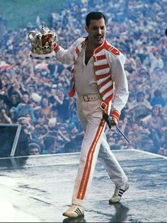 Freddie Mercury onstage 1986