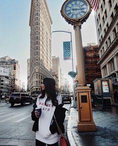 travel idea in new york xoxohannahread New York City Pictures, New York Photos, New York Photography, Photography Poses, Canada Vancouver, Outdoor Reisen, Nyc Pics, New Yorker Mode, New York Travel