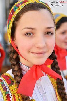 Sardinian Folk Costumes - Costumi Sardi: Desulo/Desulu