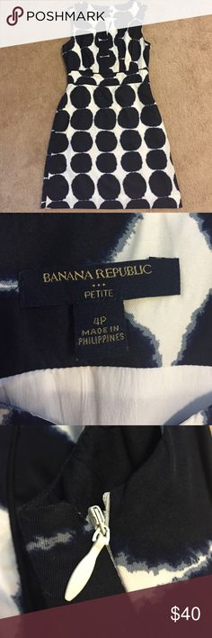 Banana Republic Navy and White Dress EUC. Absolutely stunning and amazing fabric. Zips up the side. Unfortunately I'm wide in the ribs so it doesn't fit me. Banana Republic Dresses