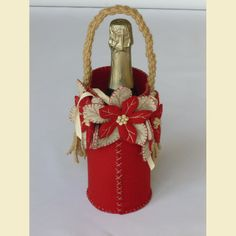 Altri kit natalizi - Arcobaleno Merceria Gold Christmas Ornaments, Gold Christmas Decorations, Beaded Ornaments, Christmas Themes, Christmas Holidays, Felt Diy, Felt Crafts, Diy And Crafts, Old Wine Bottles