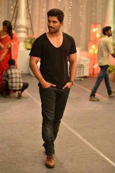Actor Picture, Actor Photo, Actors Images, Couples Images, Allu Arjun Hairstyle, Allu Arjun Wallpapers, Image Hero, Allu Arjun Images, Galaxy Pictures