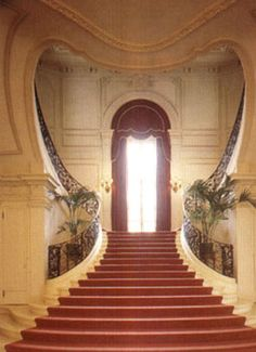 """The Sweetheart Staircase"" (aka Grand Staricase) Rosecliff, Newport, Rhode Island - Built 1899-1902 - Now owned by the Preservation Society of Newport County"