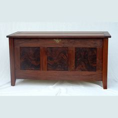 I want a wood blanket chest soooo bad! Make Blanket, Blanket Chest, Wooden Toy Boxes, Wooden Toys, Wood Chest, Wood Paneling, Woodworking Projects, Storage Chest, Solid Wood