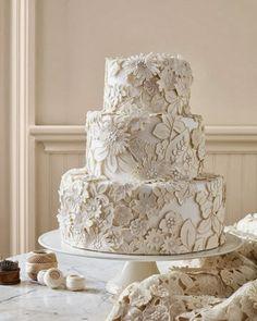 Vintage wedding cake. Repin by Inweddingdress.com #weddingcake #cakes