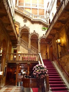I would LOVE to stay in a hotel like this! Hotel Danieli, Venice, Italy photo via jackie Places In Italy, Oh The Places You'll Go, Places To Travel, Amazing Architecture, Architecture Design, Pictures Of Venice, In Loco, Hotel Restaurant, Take The Stairs