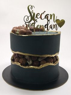 Fault line cake by Ivaninislatkisi Elegant Birthday Cakes, 60th Birthday Cakes, Beautiful Birthday Cakes, Homemade Birthday Cakes, Elegant Cakes, Cake Decorating Videos, Cake Decorating Techniques, Fondant Cakes, Cupcake Cakes