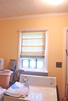 The Remodeled Life: DIY No Sew Shade (aka the forgotten project)