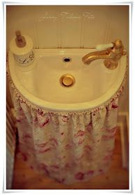 La tienda de la tia tota: CORTINA PARA ABAJO DEL LAVABO Under Sink Organization, Sink Organizer, Bathroom Sink Skirt, Beautiful Morning, Art Furniture, Corner Bathtub, Farmhouse Decor, Interior Design, Vintage
