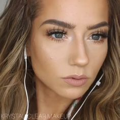 GLAM LOOK - Put on your headphones and recreate this look😍 Best Picture For make up orange For Your Taste - Glam Makeup, Makeup Inspo, Makeup Inspiration, Dramatic Makeup, Hair And Makeup, Pale Skin Makeup, Beach Makeup, Casual Makeup, Formal Makeup