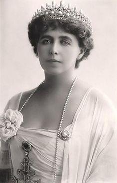 RAINHA MARIA DA ROMÊNIA (FOTO: FLICKR) - Cartão postal de 1900 mostram a beleza feminina da época