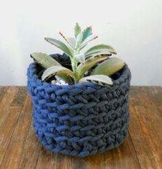 Cachepot em crochet por Juliana Andreatta