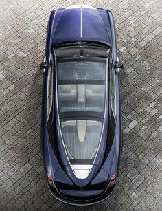 A man of means now has a one-off Rolls-Royce based on his own idea of a two-seater with a design included. About a year ago, Rolls-Royce invoked its coachbuilding heritage to inspire its future Read Maserati, Bugatti, Ferrari F40, Lamborghini Gallardo, Voiture Rolls Royce, Rolls Royce Limousine, Dream Cars, Vintage Rolls Royce, Rolls Royce Motor Cars