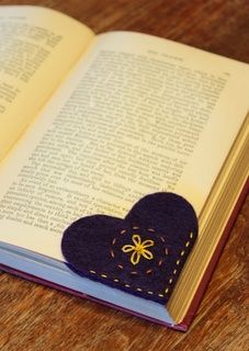 DIY: Book Marker.  Yes, I said book, like the real dealio with pages you turn yourself. =)