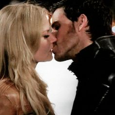 Emma and Killian Kiss (gif)