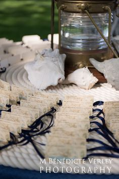 roping & historical map of the area give these escort cards a hint of nautical elegance