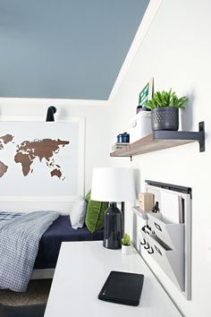 Teen Boy Bedroom Workspace & DIY Shelf - IHeart Organizing: Teen Boy Bedroom Workspace & DIY Shelf Estás en el lugar correcto para home offi - Blue Teen Girl Bedroom, Teenage Girl Bedrooms, Boys Bedroom Decor, Bedroom Ideas, Blue Bedrooms, Comfy Bedroom, Kid Bedrooms, Bedroom Furniture, Outdoor Furniture