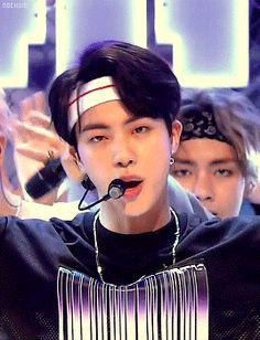 Worldwide handsome jin destroyin my heart again 😣💙💙💙 Jimin, Bts Jin, Jin Gif, Jungkook Jeon, Bts Bangtan Boy, Jhope, Bts Taehyung, Seokjin, Hoseok