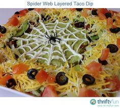 taco dip is easy to make and is a great snack to serve at a party. This spooky version is perfect for Halloween!Layered taco dip is easy to make and is a great snack to serve at a party. This spooky version is perfect for Halloween! Halloween Dip, Diy Halloween Treats, Halloween Dinner, Halloween Food For Party, Halloween Birthday, Halloween Foods, Easy Halloween Appetizers, Halloween Halloween, Halloween Potluck Ideas