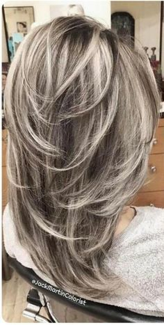 """40 Stunning White Hair Color Ideas in In the words of Los Angeles-based ha. - - 40 Stunning White Hair Color Ideas in In the words of Los Angeles-based hairstylist Jessica Jewel, """"Sometimes you just need your hair to be as c. Medium Hair Styles, Curly Hair Styles, Gray Hair Highlights, Feathered Hairstyles, Hair Lengths, Hair Cuts, Hair Beauty, Beauty Style, Silver Ombre"""