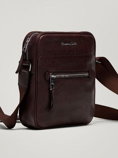 Fall Winter 2017 Men´s EMBOSSED MONTANA LEATHER CROSSBODY BAG at Massimo Dutti for 129. Effortless elegance!