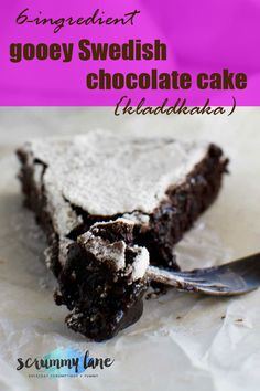 This Swedish chocolate cake is called Kladdkaka - soooo gooey and delicious, and one of my go-to cakes when I need an easy dessert in a hurry! Gooey Chocolate Cake, Chocolate Deserts, Chocolate Recipes, Delicious Chocolate, Chocolate Delight, Baking Chocolate, Raw Chocolate, Chocolate Treats, Chocolate Cheesecake
