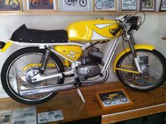 ITOM ASTOR 4M de 1967 Classic Motors, Classic Bikes, Vespa, Scooters, 50cc Moped, Sport Bikes, Cool Bikes, Motorbikes, Ferrari