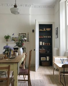 Monday Inspiration: Beautiful Rooms - Mad About The House Style At Home, Küchen Design, House Design, Country Look, Mad About The House, Home Decor Inspiration, Monday Inspiration, Kitchen Inspiration, Decoration Table