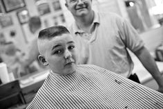 flattop haircut, h&t Men's Haircuts, Boy Hairstyles, Short Bob Hairstyles, Haircuts For Men, Barber Shop Haircuts, Flat Top Haircut, High And Tight, Hair Care, Barber Chair