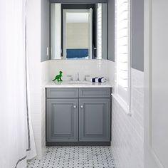 Dinosaurs and Design how fab is this bathroom? #Repost @shophousedesign  marble on marble on subway #classic #shophousedesign #interiordesign #bathroomdesign #classicinteriors #traditionaldesign #homedesign #marblebath #philadelphiainteriordesign #renovation #homedecor #subwaytile #shadesofgrey #houzz #hgtv #tileaddiction #fab #friyay #designgoals #marble #mosaic #yearofthetile #tilehighclub #tilebar #tiles #dinosaurs by tilebar