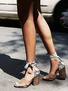 Sancerre Wrap Heel