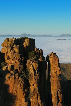 Interesting places to visit in South Africa. Sunrise at Desolation Valley, Camdeboo National Park, The Karoo, Eastern Cape, South Africa. What A Wonderful World, Wonderful Places, Beautiful Places, All About Africa, Out Of Africa, Places To Travel, Places To See, Namibia, Road Trip