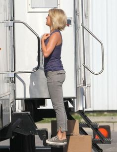 julianne hough haircut in safe
