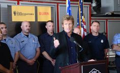 "FTA: ""Actor Denis Leary presents more than $260,000 worth of new equipment to Detroit firefighters at Engine 9 on Lafayette at Mt. Elliott on Thursday, May 22, 2014."" Now you know why I love the guy. Squee! (via The Detroit Free Press)"