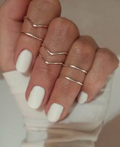 ◆ Chevron Rings ◆ Basic Rings   ◆Dimensions: 15mm diameter(ADJUSTABLE)  ◆Material: HIGH quality SILVER PLATED wire(NON TARNISH) (18 G) ◆Color: Silver,