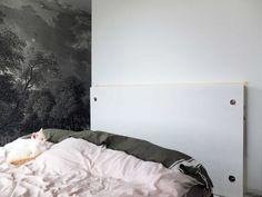 Notre tête de lit multifonctions pour 50 euros* – Misc Webzine Niches, Bedroom, Furniture, Home Decor, Home Ideas, Home Decoration, Headboards, Master Bedrooms, Bedrooms