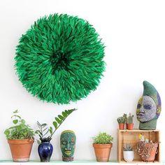 Ouhhhh this jungle green juju hat and the Ife inspired bead heads... now I feel the wanderlust. #jujuhat #africaninspired #globaltreasures #ethnicdecor #shopsmall #ritualinteriors #decor #interiordesign #ifehead #beaded #green #colorcrush #kronbalijujuhat #instadecor #featherwalldecor #walldecor #wallhanging #wallart