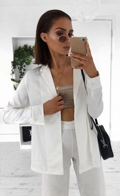 f6d6dbfc9cc3e4 30+ Chic Outfit Ideas for Womens. Trends 2018Crop Top ...