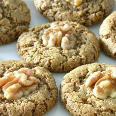 Walnut Cookies (Nan-E Gerdui) - These Middle Eastern cookies are rich, chewy on the inside and crunchy on the outside. They are flourless and are gluten-free.